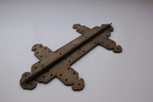 hinge for temple